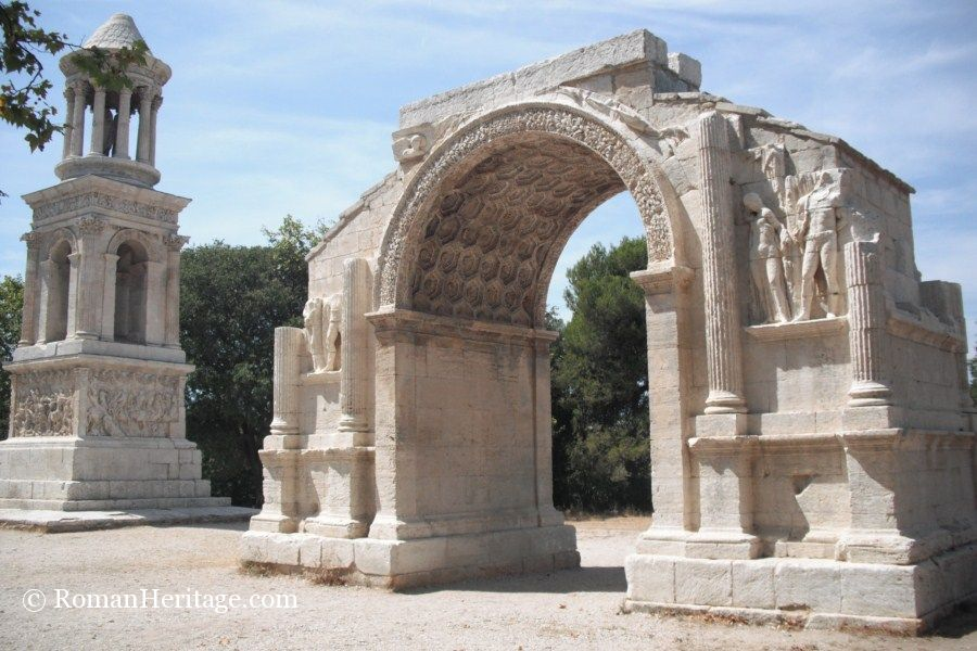 glanum mausoleum mausoleos saint remy de provence glanum les antiques provence provenza. Black Bedroom Furniture Sets. Home Design Ideas